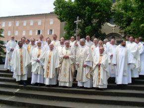 Prêtres jubilaires du diocèse au sanctuaire Notre-Dame du Laus