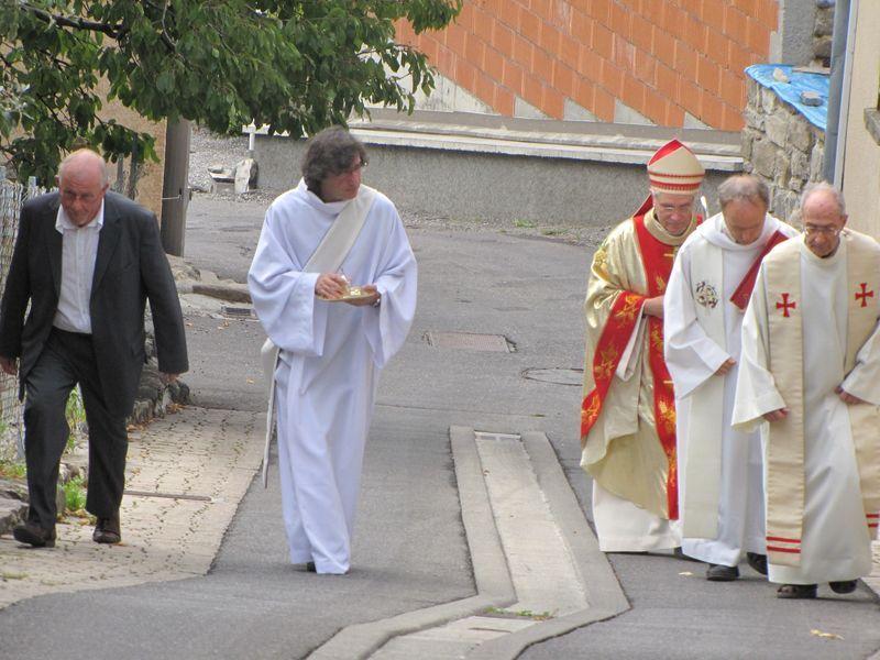 Dédicace du nouvel autel de Romette : une célébration mémorable !