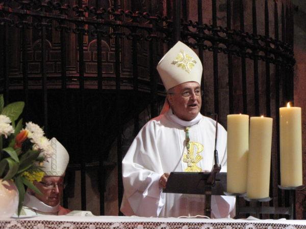 Trois évêques à Embrun pour fêter les trois mages avec les paroissiens de l'Embrunais et du Savinois