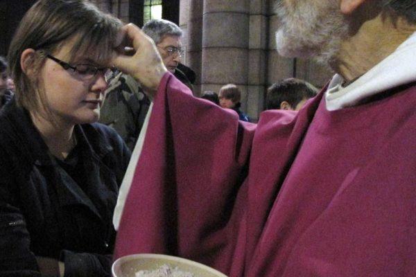 """Mercredi des Cendres – Horaires des messes sur le diocèse – Message du pape : """"Faisons attention les uns aux autres"""""""