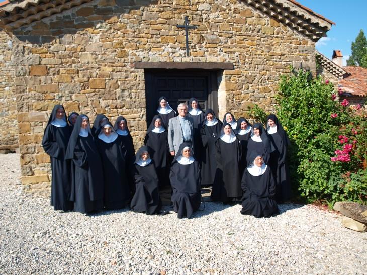 Visite pastorale de Mgr Jean-Michel di Falco Léandri auprès des sœurs bénédictines de Rosans