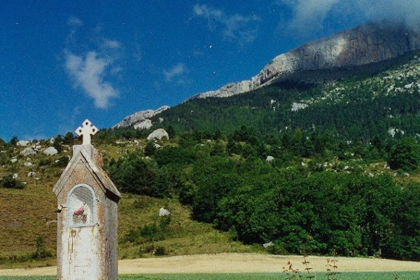Patrimoine religieux vernaculaire du diocèse : Les oratoires de Sigoyer