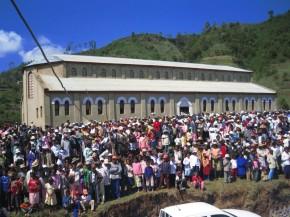 Des nouvelles du Père Jean-Marie Rakotosolofo : 14 clochers, 20 000 baptisés