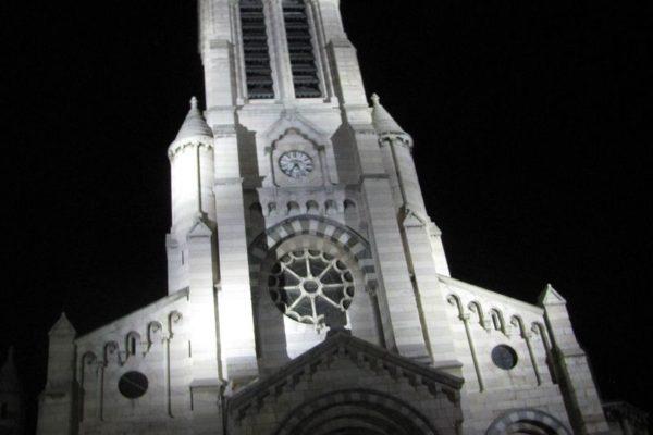 """""""Fiat lux !"""" sur la cathédrale de Gap"""