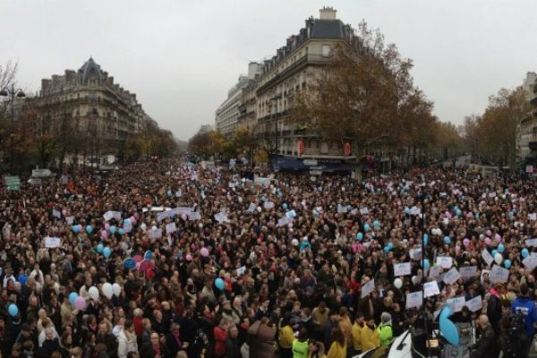 """La Manif pour Tous : """"Touche pas à mon code civil"""""""