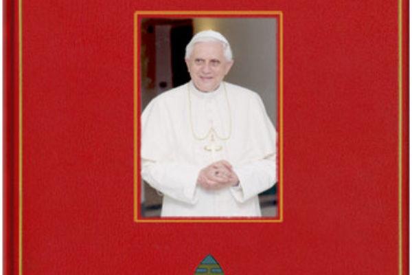 Rétrospective Benoît XVI en images