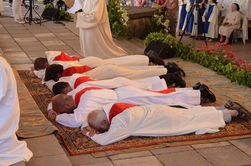 Vidéo de l'ordination du 30 juin 2013 au Sanctuaire Notre-Dame du Laus