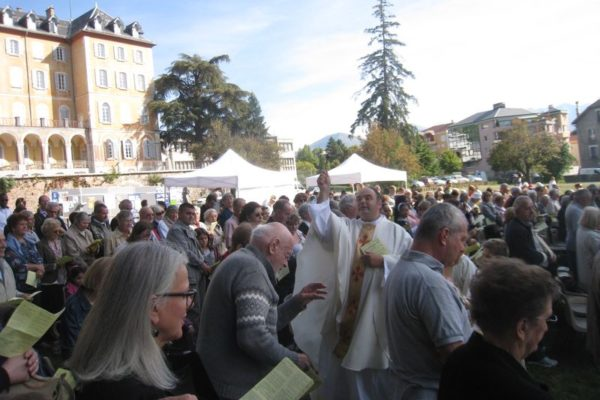 700 personnes à la fête de rentrée de la paroisse Saint-Arnoux