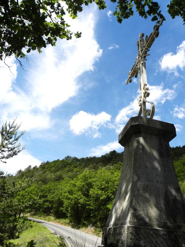Un chemin de croix en cours de réfection
