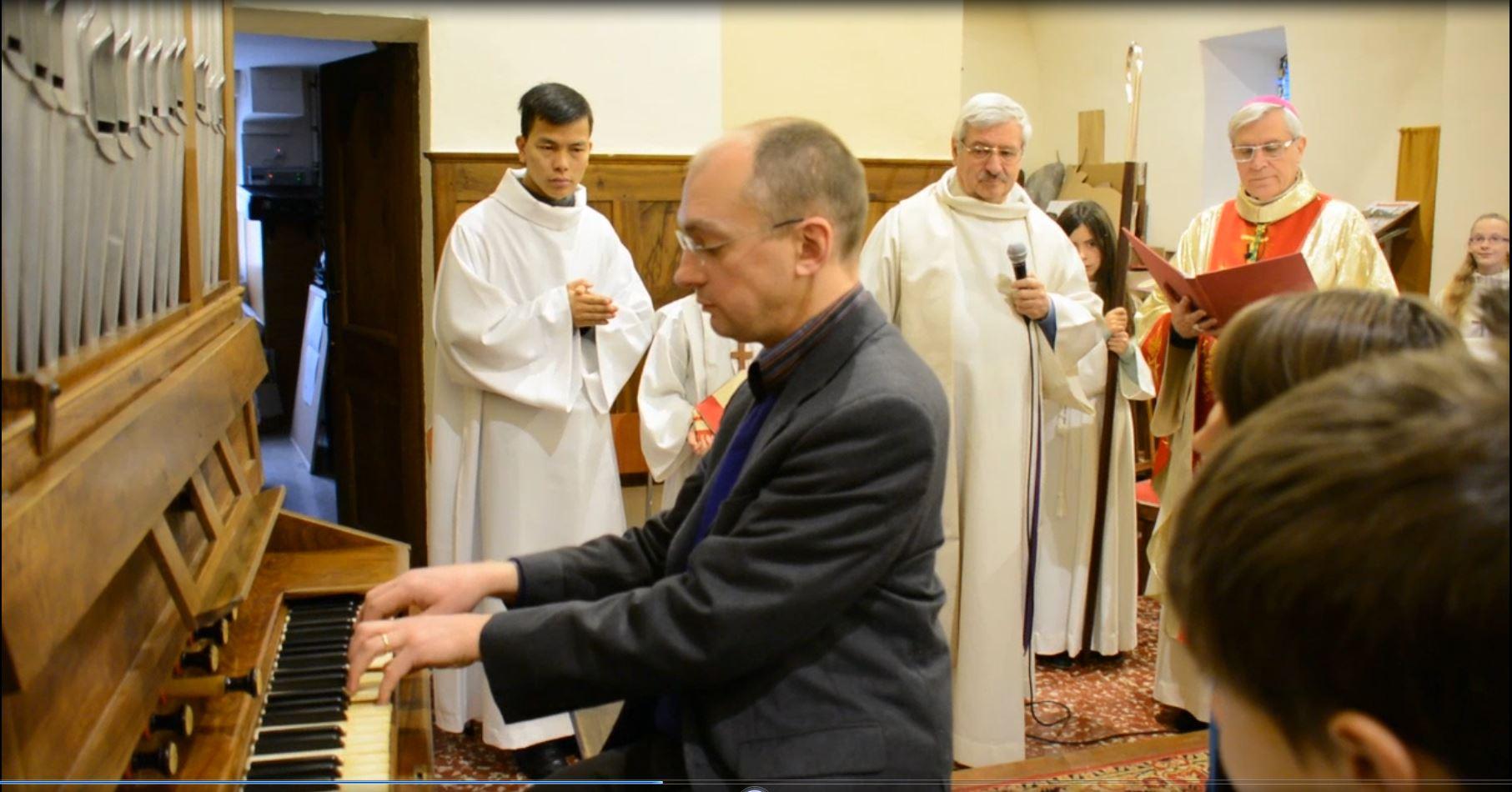 Bénédiction à La Saulce d'un orgue, et à Plan-de-Vitrolles d'un oratoire rénové et de deux tableaux