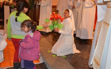 Le renouvellement des vœux de Sœur Louisette : un heureux mélange champsaurin-malgache