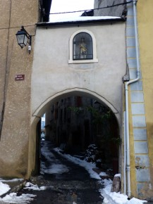 Niche sur Porte saint Louis Guillestre