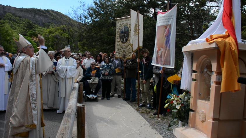Ouverture de l'année jubilaire au Laus – La bénédiction d'un chemin de croix unique au monde