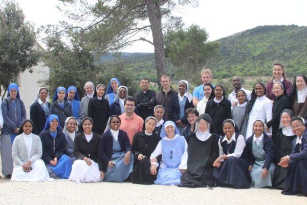 Rencontre de jeunes religieux et religieuses