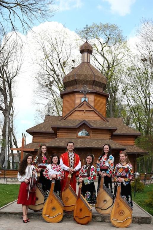 """""""Les cordes et voix magiques d'Ukraine"""" à Savines-le-Lac et à Chantemerle"""