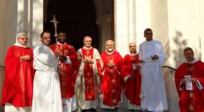 Installation du père Joseph-Charles Mbogba à Laragne : «La mission d'un évêque n'est pas de caresser les assemblées dans le sens du poil»