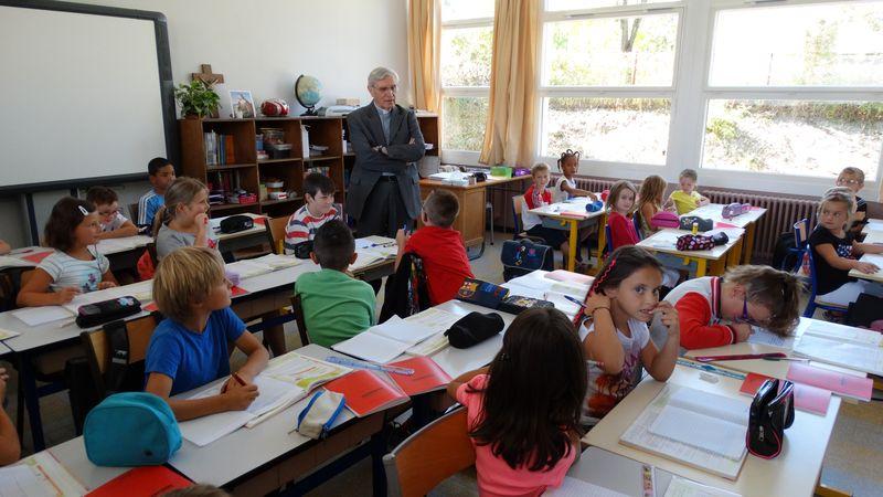 Mr Jean-Michel di Falco Léandri en l'école Sainte-Agnès de Tallard pour la rentrée scolaire