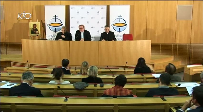 Conférence de presse au retour du Synode