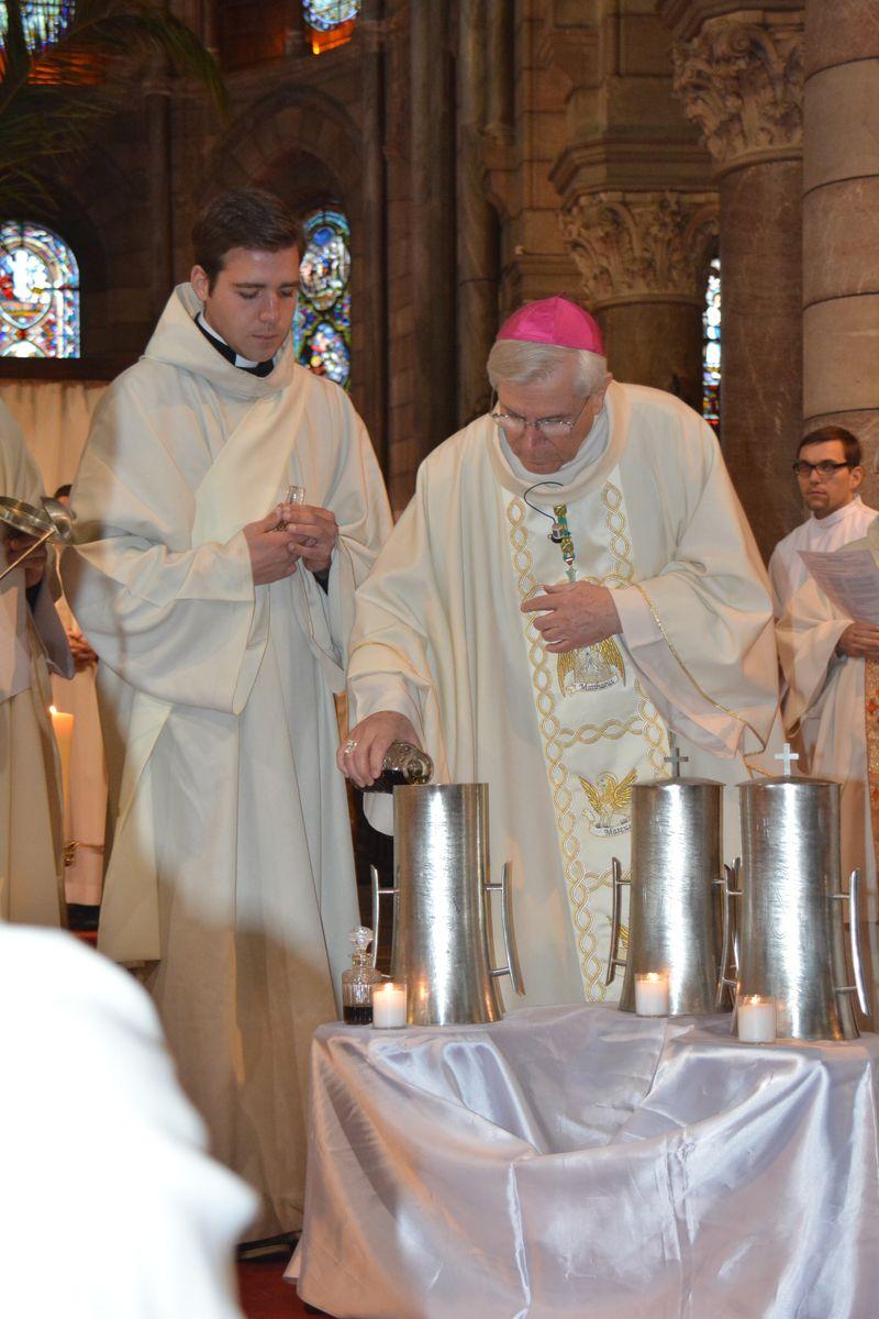 Messe chrismale en la cathédrale de Gap
