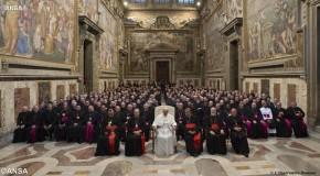 Le Pape François s'alarme du risque de « rigidité » des prêtres
