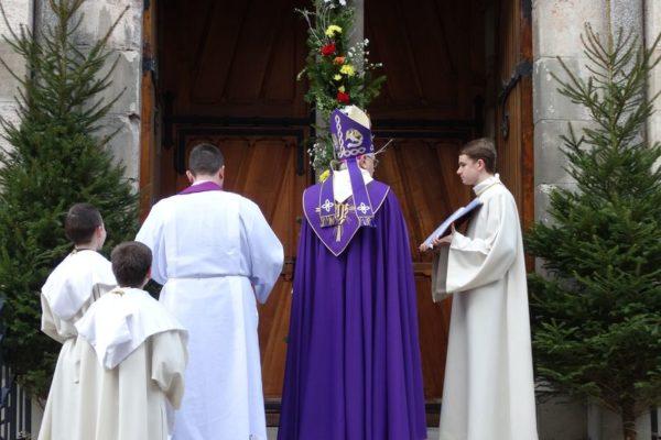 Une ouverture de la porte sainte dans la liesse !