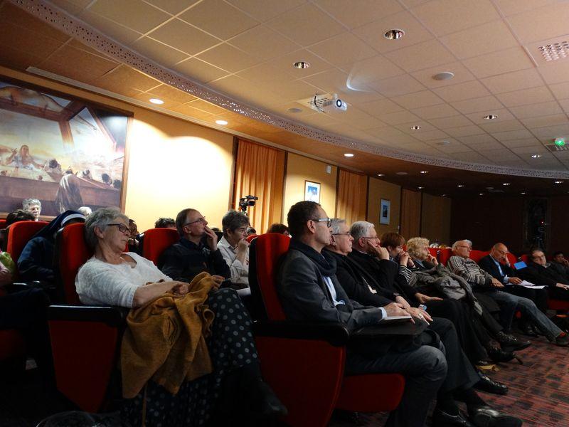 Conférence sur les exclus !… Les personnes âgées