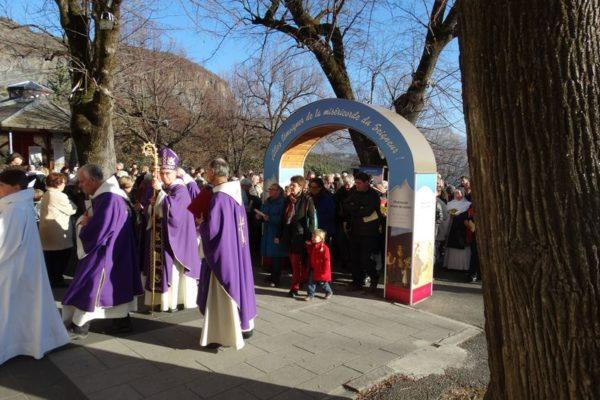 Ouverture de la porte de la miséricorde au sanctuaire Notre-Dame du Laus
