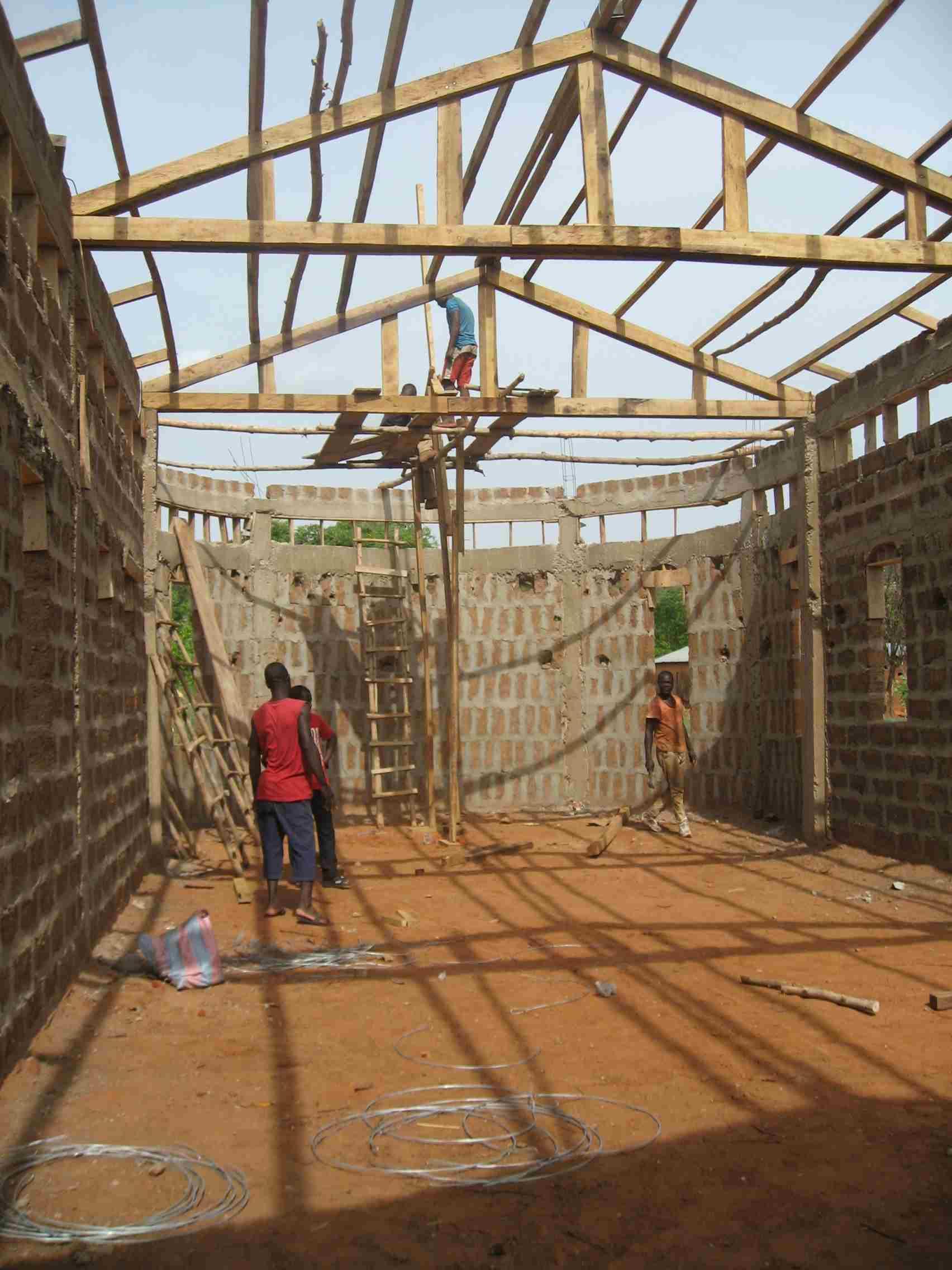 Avancée des travaux pour Notre-Dame du Laus au Bénin