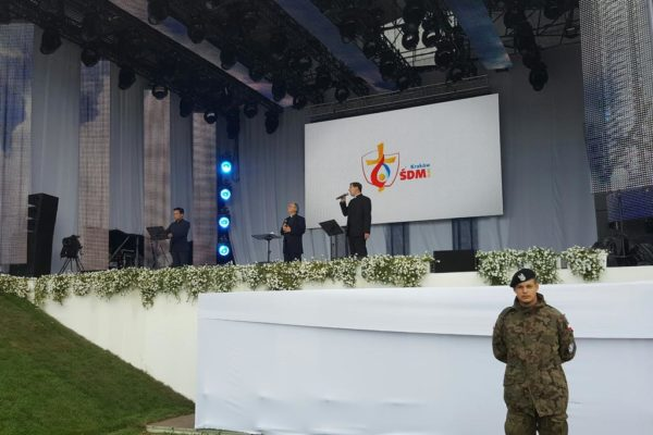 « Les Prêtres » chantent pour le pape François et les jeunes aux JMJ