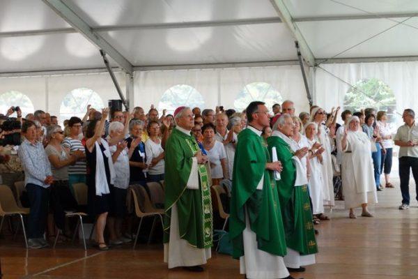 Des représentants de 1200 groupes de prière rassemblés au Laus