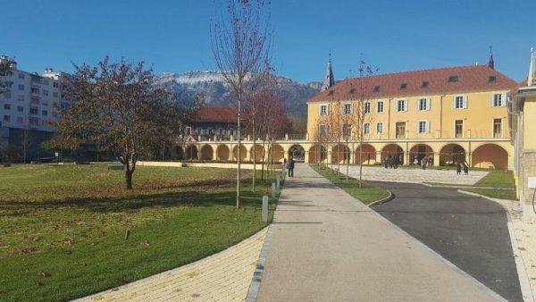 Inauguration à Gap du parc du Centre diocésain Pape François