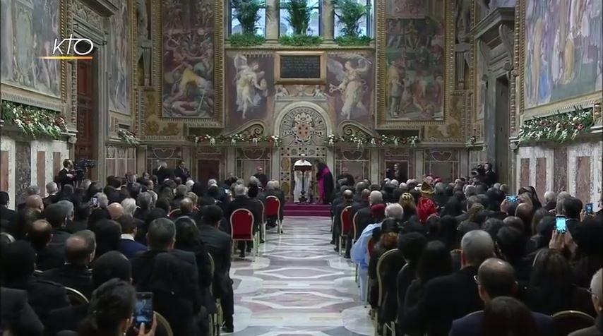 Discours du pape François au corps diplomatique