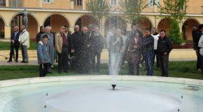 Inauguration d'une fontaine dans le parc du centre diocésain
