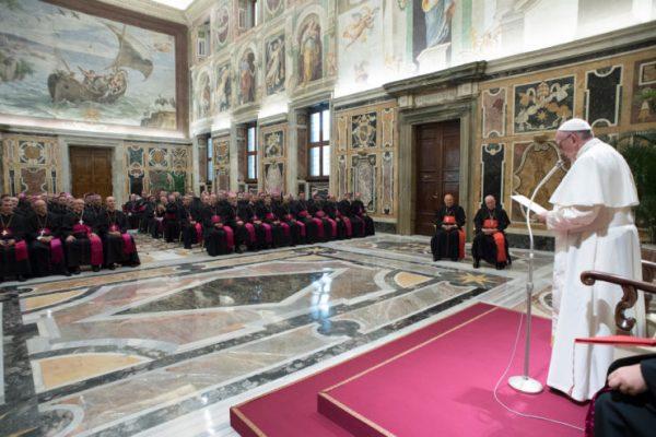 Le pape François aux nouveaux évêques, parmi lesquels Mgr Xavier Malle