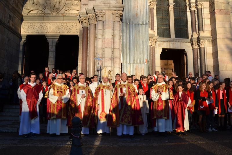 Premières confirmations de Mgr Xavier Malle en la cathédrale de Gap
