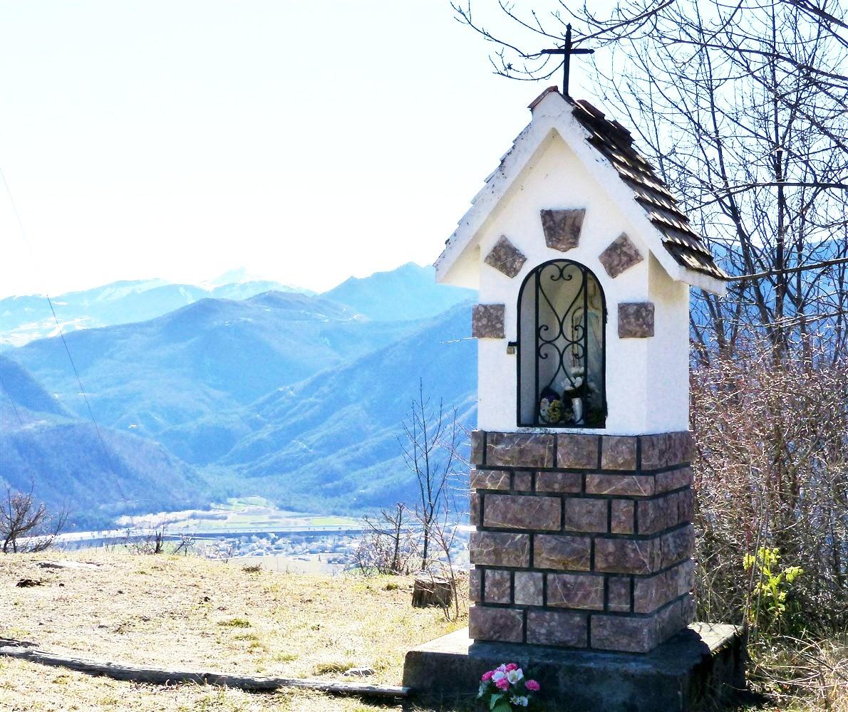 Les oratoires et les croix de Théus