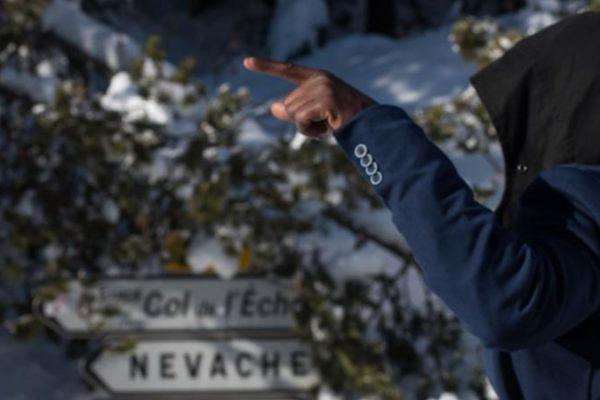 """""""Aidez-nous !"""" : l'évêque de Gap en appelle à """"la solidarité nationale"""" pour l'accueil des migrants dans les Alpes"""
