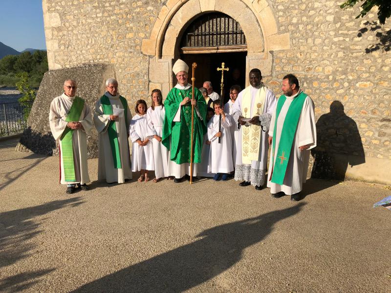 Mgr Xavier Malle à Aspremont pour la bénédiction des travaux de l'église