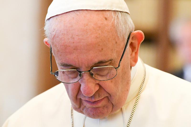 """""""Si un membre souffre, tous les membres souffrent avec lui"""" : lettre du pape François sur la pédophilie"""