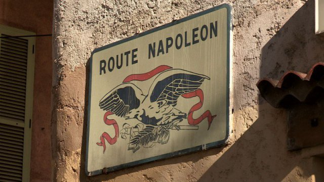 Des Racines et des ailes s'arrêtent à la cathédrale de Gap sur la route Napoléon.