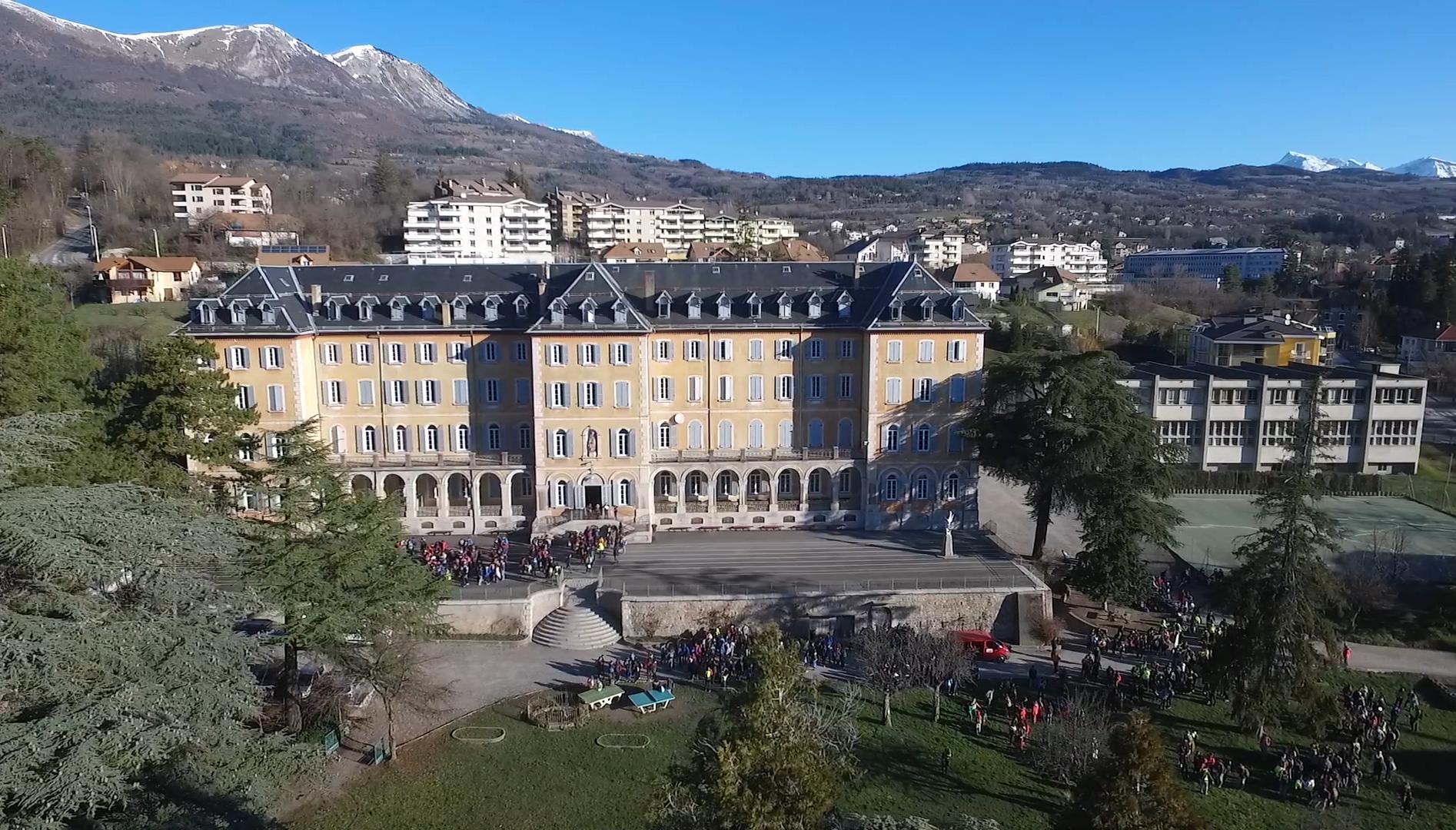"""""""A la saint Jo, marche jusqu'au Laus"""" ! 500 jeunes en marche"""