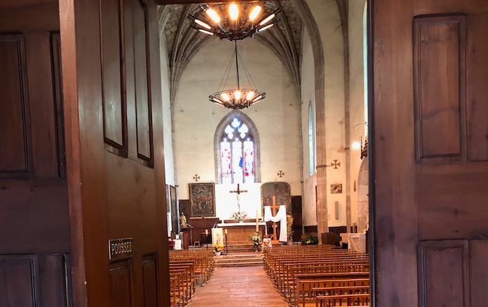 #confinement Les églises restent ouvertes ; vous pouvez y aller prier.