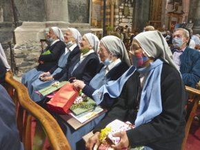 Les sœurs Trinitaires qui quittent Embrun