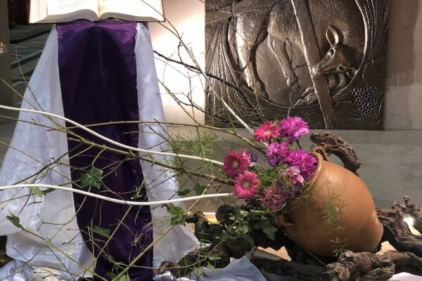Entre terre et ciel, comment trouver sa place ? Homélie du 1er dimanche de Carême – Messe des bienfaiteurs
