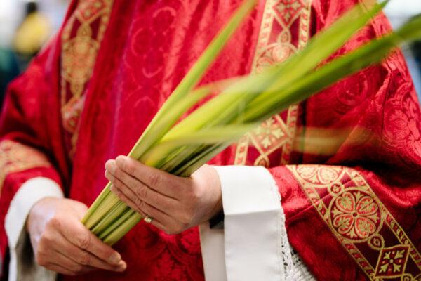 C'est éprouvant d'écouter cette lecture de la passion – Homélie de la messe des Rameaux 2021