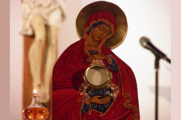 À l'école de Marie, femme eucharistique