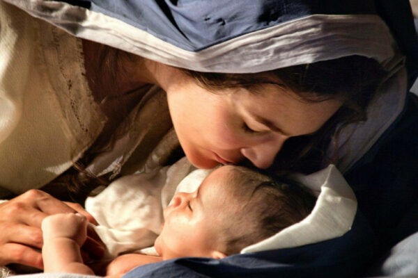 Marie, source et modèle de l'humanité nouvelle