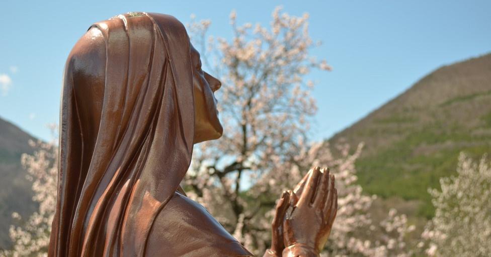 Mois de mai : mois de Marie, à Notre-Dame du Laus