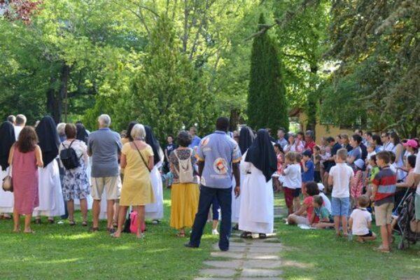 20210829 Homélie au Laus «Gustave a 10 ans. Il marche avec ses parents et des oncles et tantes jusqu'à la Croix de Toulouse au dessus de Briançon» – Familiades des AFC